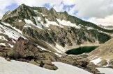 Turon de Néouvielle (3.035 m), Pic des Trois Conseillers (3.039 m), Pic de Néouvielle (3.091 m) y Pic Ramougn (3.011 m). Macizo del Néouvielle
